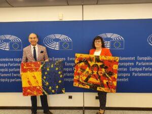 Entrega de obras de José Manuel Cardiel en el Parlamento Europeo